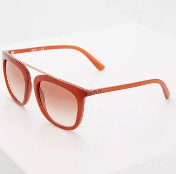 ea64d2d2b7cf8 Бренд DKNY представляет коллекцию солнцезащитных очков для свободных духом  людей, которые не боятся экспериментировать со своей внешностью.
