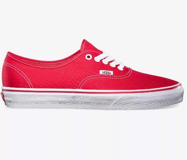 Обувь компании Vans, существующей более 50 лет, сильно отличается от других  производителей спортивных кроссовок. Продукция бренда имеет широкую ... 3ad1b14b086