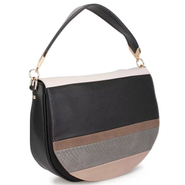 01cee76f2237 Клатчи, рюкзаки, дорожные сумки, классические с короткими ручками или через  плечо – все это David Jones предлагает на полках магазинов.