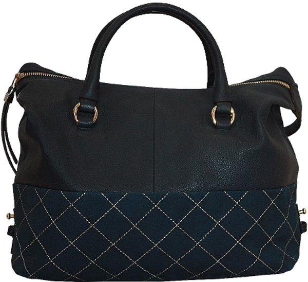97c302a268b1 Женские сумки бренда отличаются классическим исполнением и высоким  качеством. Но дизайнеры предлагают также и нетипичные модели – при их  создании они ...