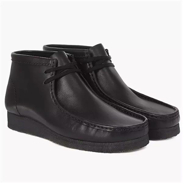 18297d070 Популярная компания Clarks производит комфортную обувь с тщательно продуманной  конструкцией. Эта фирма имеет представительства во многих странах мира.